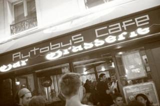 Les Rois du Pétrole à l'Autobus Café