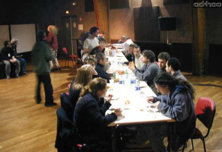 A table (1)